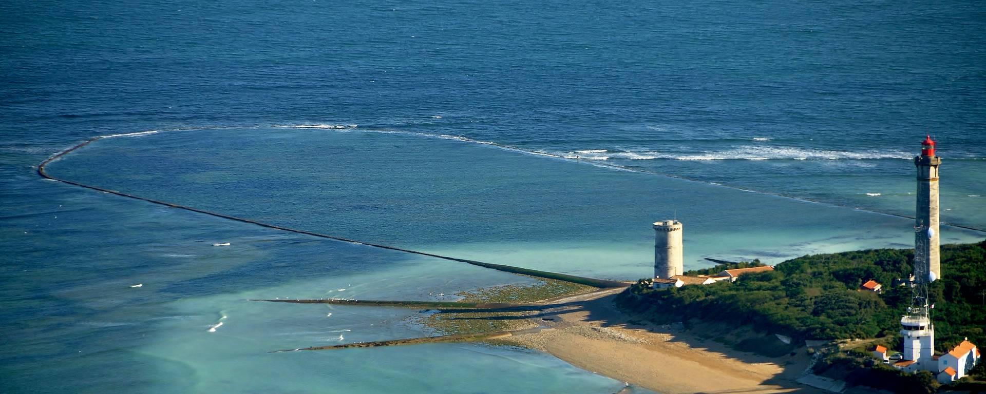 Le phare des Baleines vue du ciel par Bernard Collin