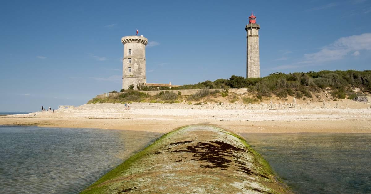 Resultado de imagen de El faro de las Ballenas en la isla de Ré (Charente-Maritime)