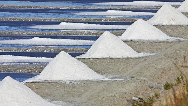 Pyramides de sel de l'Ile de Ré ©François Blanchard