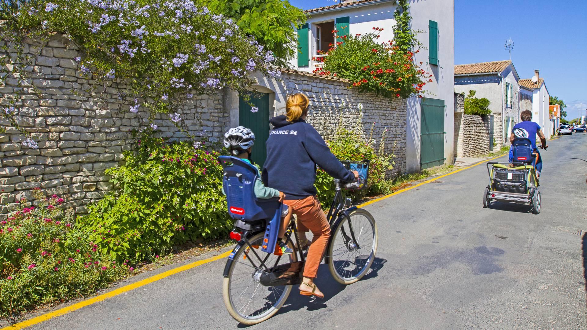 Balade en vélo en famille par François Blanchard