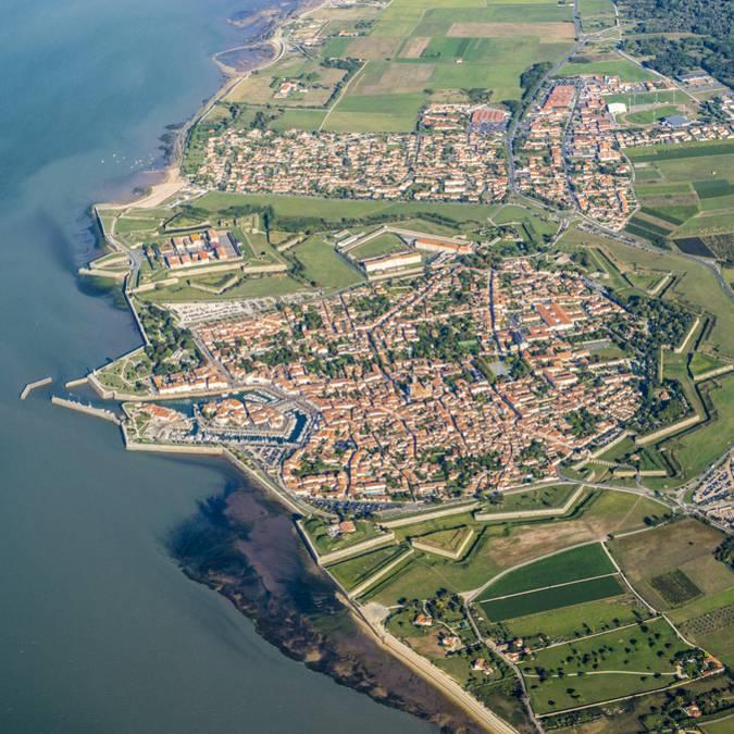 Vue aérienne du village de Saint-Martin-de-Ré
